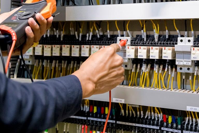 Inocencio Instal·lacions - Instalador electricista homologado en Vilanova - Instal·lador electricista homologat a Vilanova
